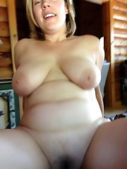 Amazing mature bitch playing alone
