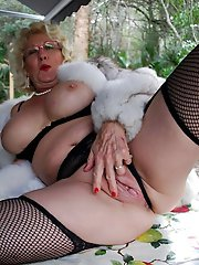 Cock hungry aged lady in her solo play