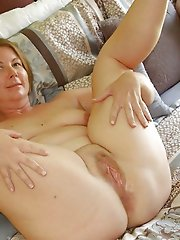Hot experienced milf likes blowjob so much