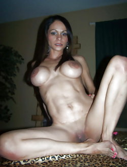 Incredible old prostitute getting nude on picture