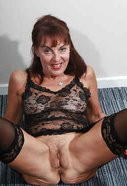 Online gathering of XXX mature photos and pics