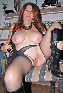 Mature ladies in sexy lingerie