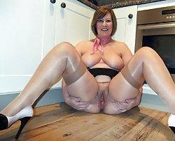 Pretty mature girls spreading legs