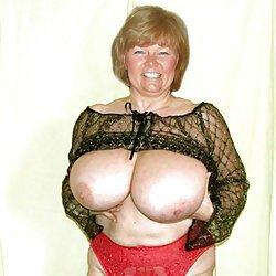 Big mature boobs in sexy bra