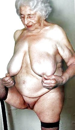Curvy old ladies are getting naked in a hot photoshoot