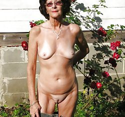 Nude older women are having the awesome tits