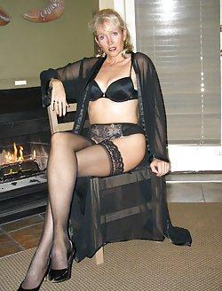 Wide-spread legs of sexy milfs
