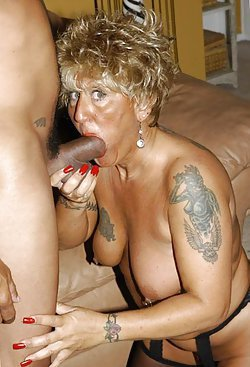 Older sluts like to take the cock in mouth