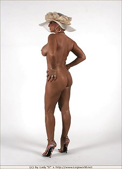 Tanned naked milf shows her impressive naked body